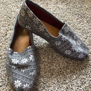 NWOT Toms snowflake shoes
